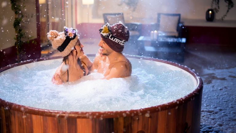 inflatable helsinki hot tub